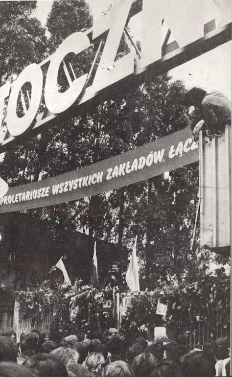Solidarity_August_1980_gate_of_Gdańsk_Shipyard