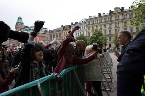 Jag framför en hatande folkhop. Foto: Roger Sahlström