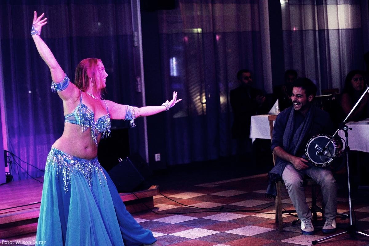 Boka dansös — Maria Oriental